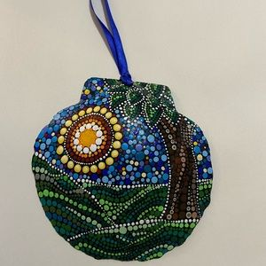 Hand-painted scallop shell hanging ornament